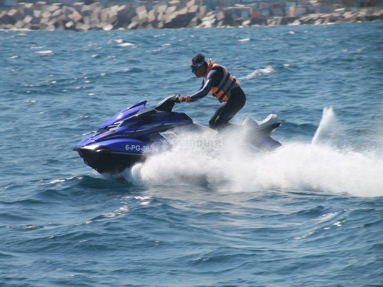 Navega en el mediterraneo