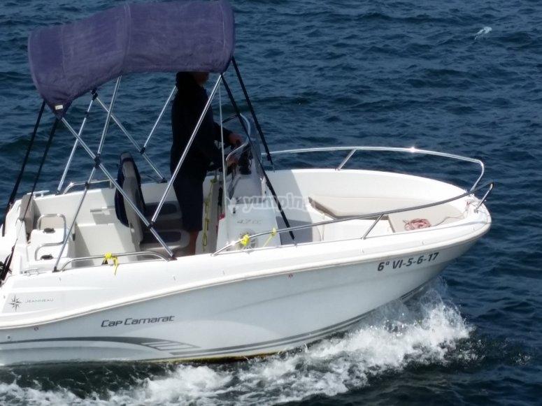 Conduce un barco en Galicia
