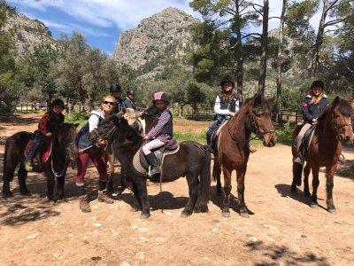 Excursión a caballo en Tramontana 4 horas y pícnic