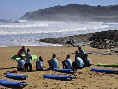 Clases de surf en Loredo durante 5 días 10 horas