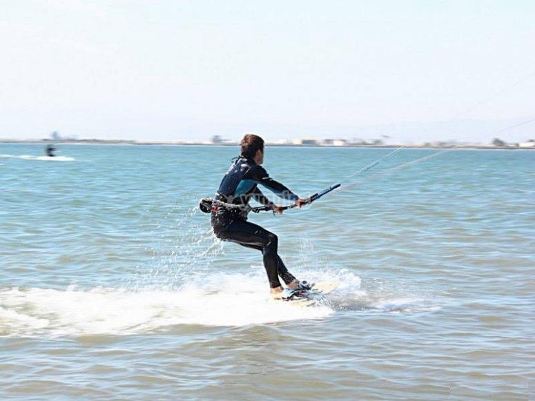 掌握风筝冲浪