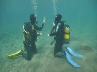 Técnicas de seguridad bajo el agua
