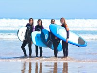 Girls to the edge of the Cantabrian