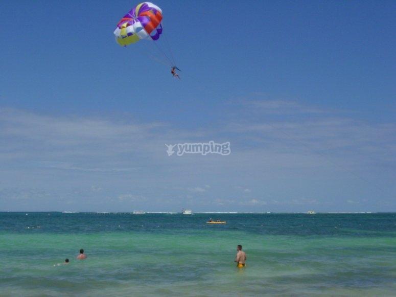 Volare con parapendio