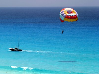 Sessione di paracadutismo a Puerto Banús 20 minuti