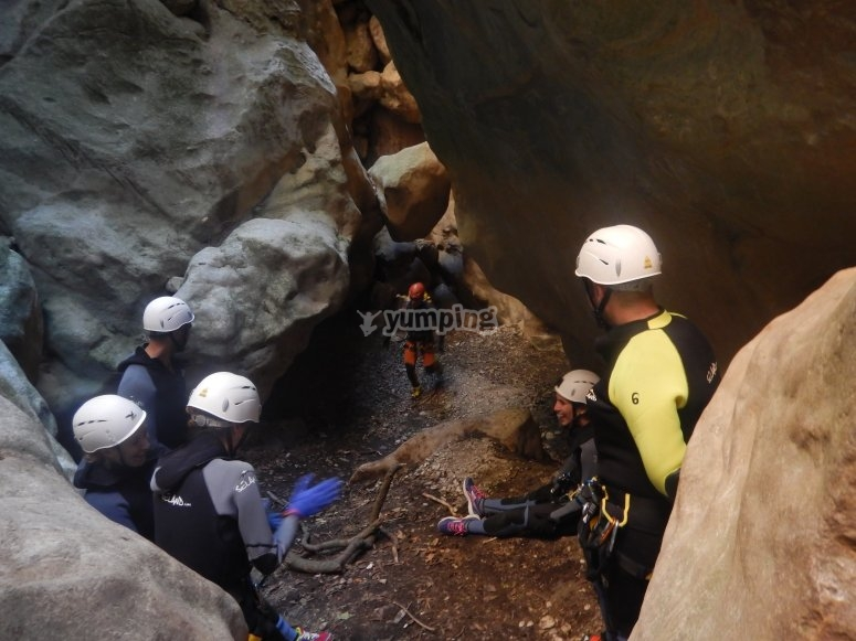 Green Throat canyoning group