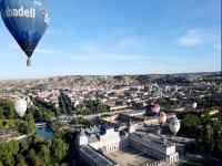 私人热气球飞行最多 5 人,含早餐