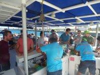 Bar del catamaran en la costa alicantina