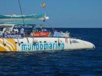 Pasajeros del catamaran en la Costa Blanca