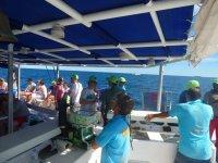 Servicio de bar en el barco en la Costa Blanca