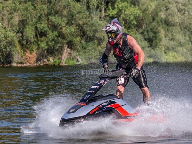 Piloto de moto de agua