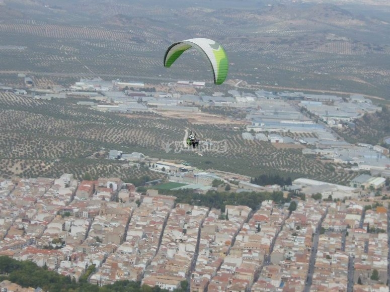 Paraglide over the center of the Peninsula