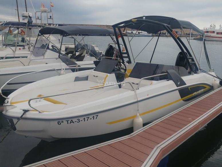 En el embarcadero Flyer Sport l Ametlla de Mar