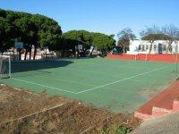 pista de tenis con porterias de futbol