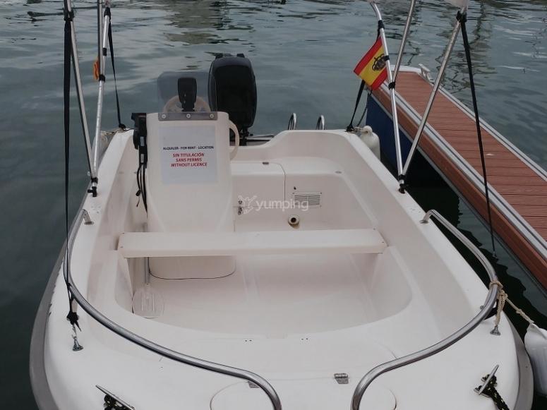Embarcacion sin titulo