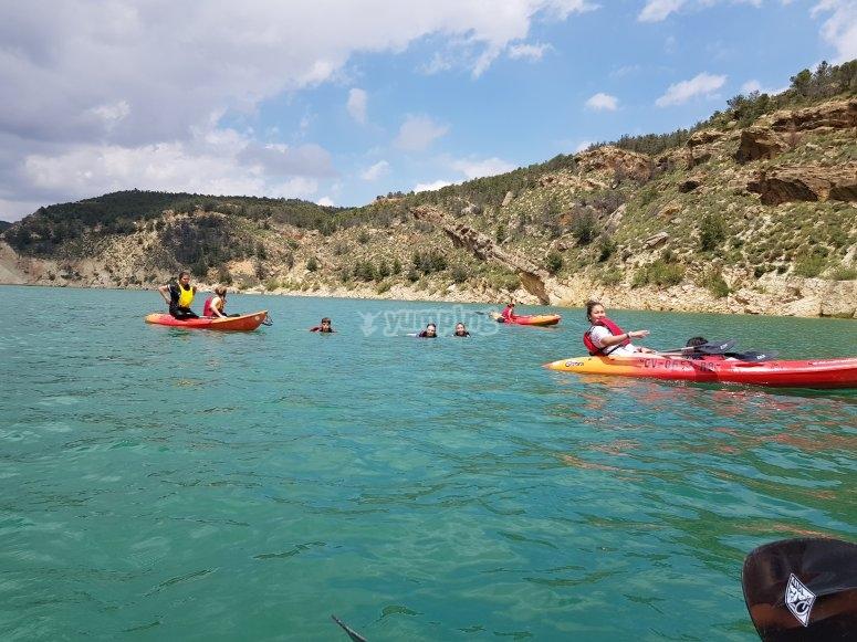 Kayaks en el pantano