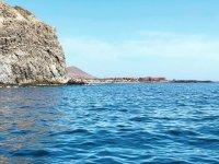 享受阿德耶海岸的捕鱼