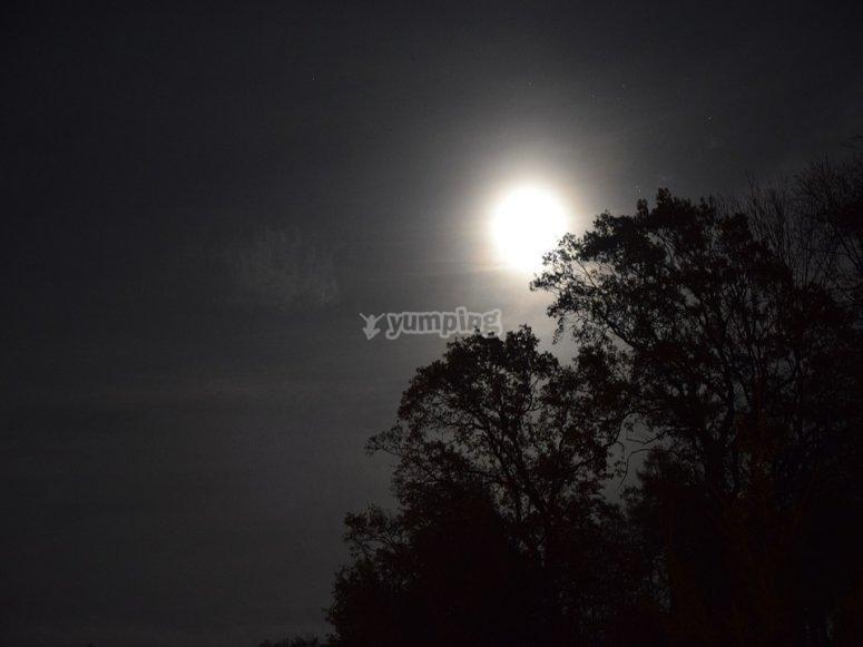 Full moon Buitrago