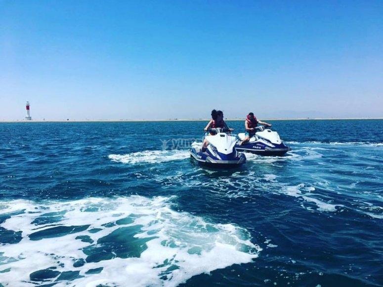 Alquilar una moto acuática