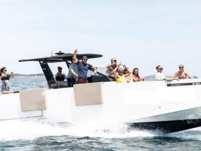 Yate y 7 actividades acuáticas teambuilding Ibiza
