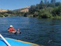 en el agua rafting