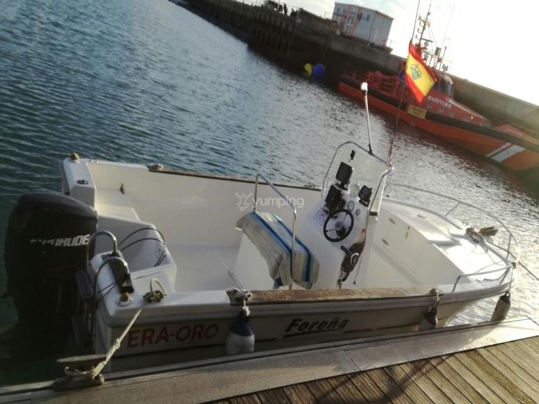 Nuestra embarcacion para salir a pescar