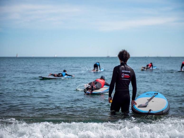 划桨冲浪教练
