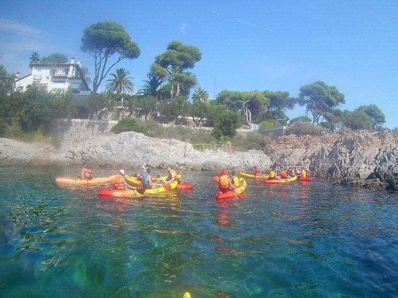 Grupo de kayakas