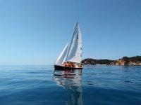 Paseo en velero por la costa Brava