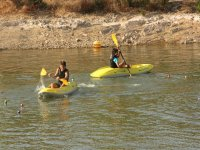 Navega en kayak monoplaza