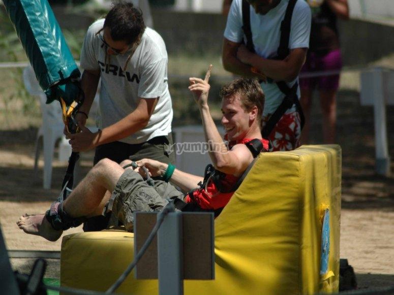 Experiencia de salto de bungee jumping