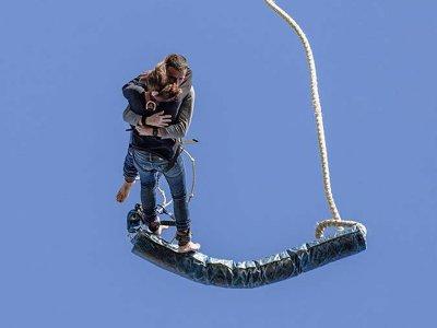Bungee jumping tándem a 70 metros en Lloret de Mar