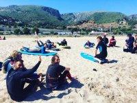 冲浪和交朋友