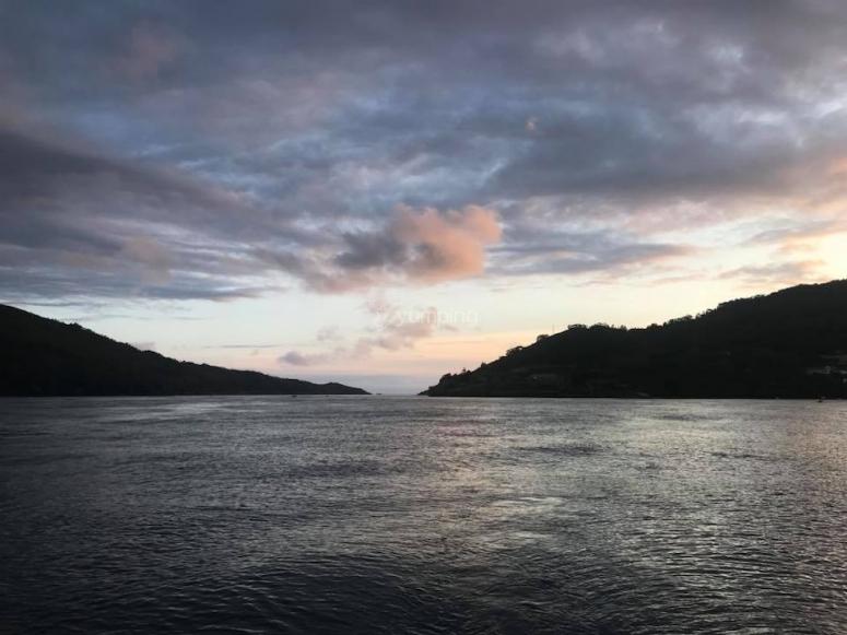 Sol poniendose en la costa gallega