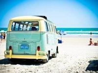 Vehiculo en la playa