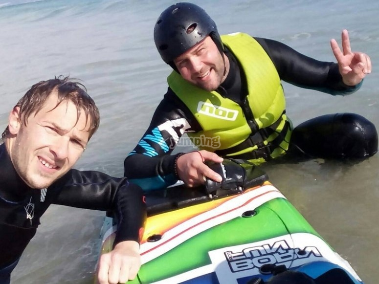 Monitor and student of jet surf