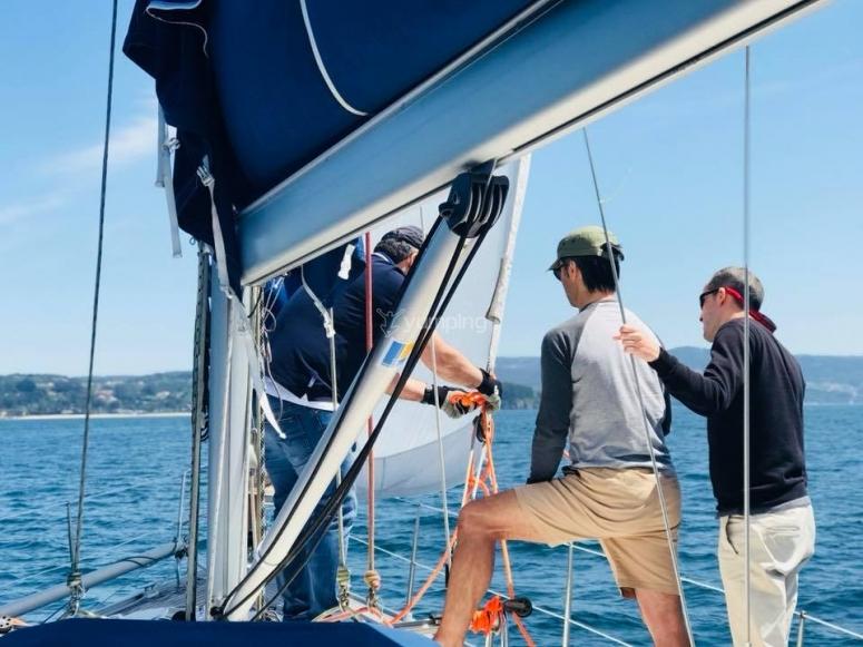 Viendo las maniobras del velero