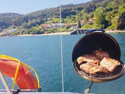 Barbacoa en barco por la Ría de Ares 6 h