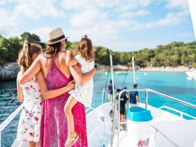 Tour in barca + paella con bambini, Minorca 7 ore