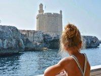 Tour en barco y paella con niños Menorca 7 horas