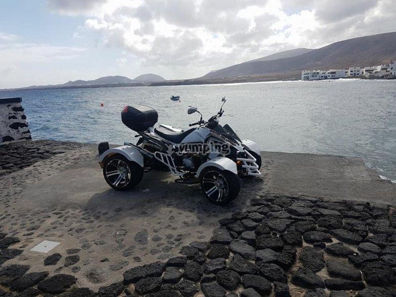 quad sulla spiaggia