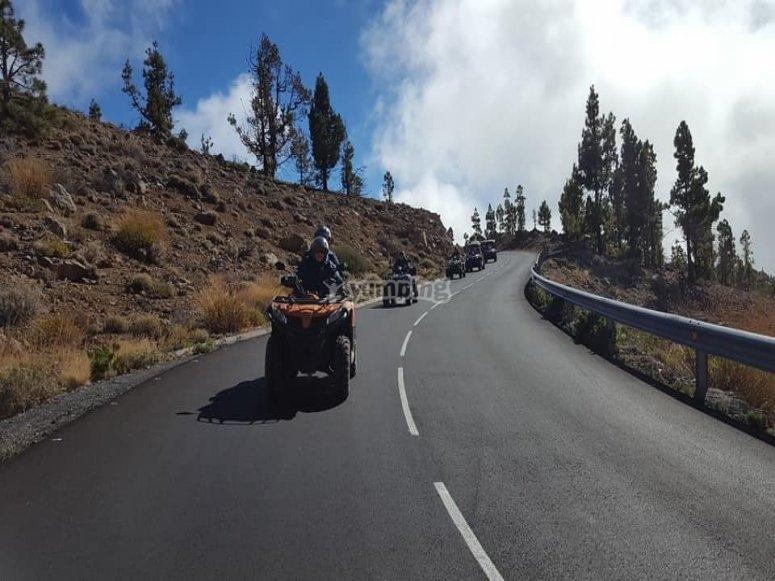 Subida en quad hacia el Teide