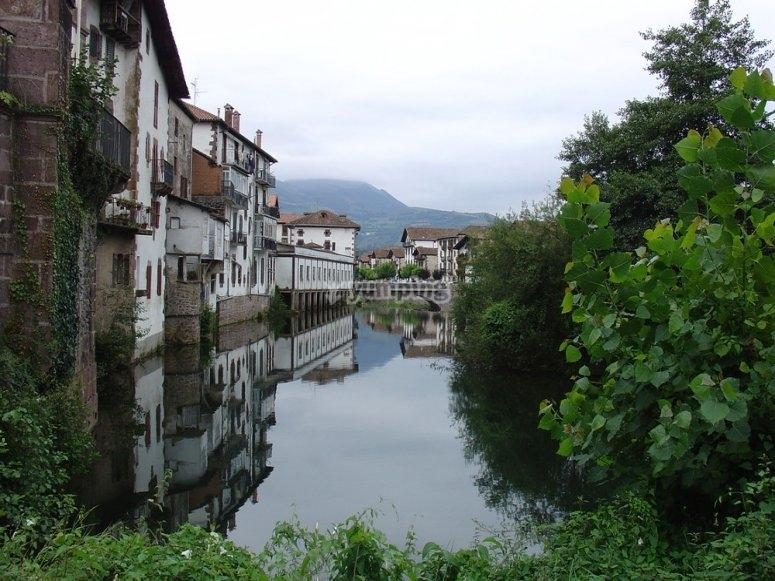 Rio Elizondo por Bidasoa