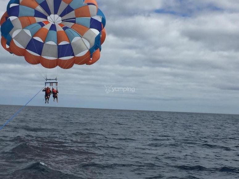 Parasailing a 200 metri