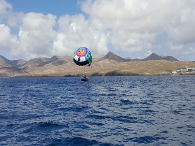 Parasailing in Carmen's Port, 10 Minutes