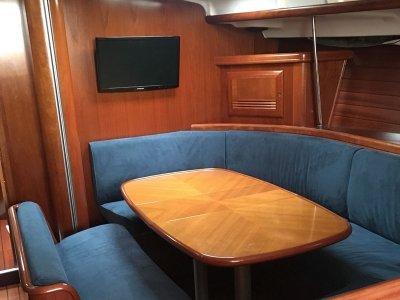 在Beneteau Oceanis 393 PtoSantaMaría8h航行