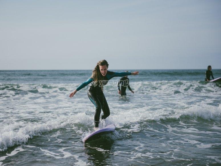 tomando las olas