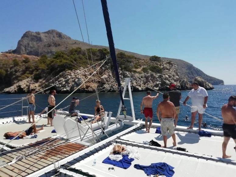 A bordo del catamaran