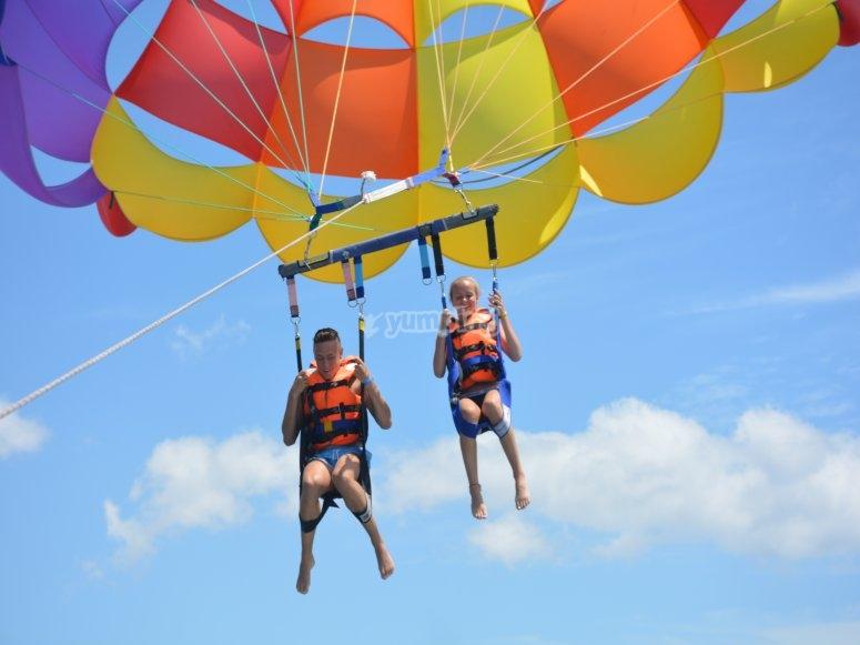 Trip by air tandem in parascending