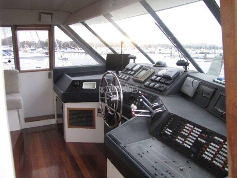 timone del bayliner 4588